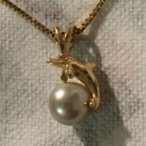 14kt Gold Dolphin Grey Gray Genuine Pearl Necklace
